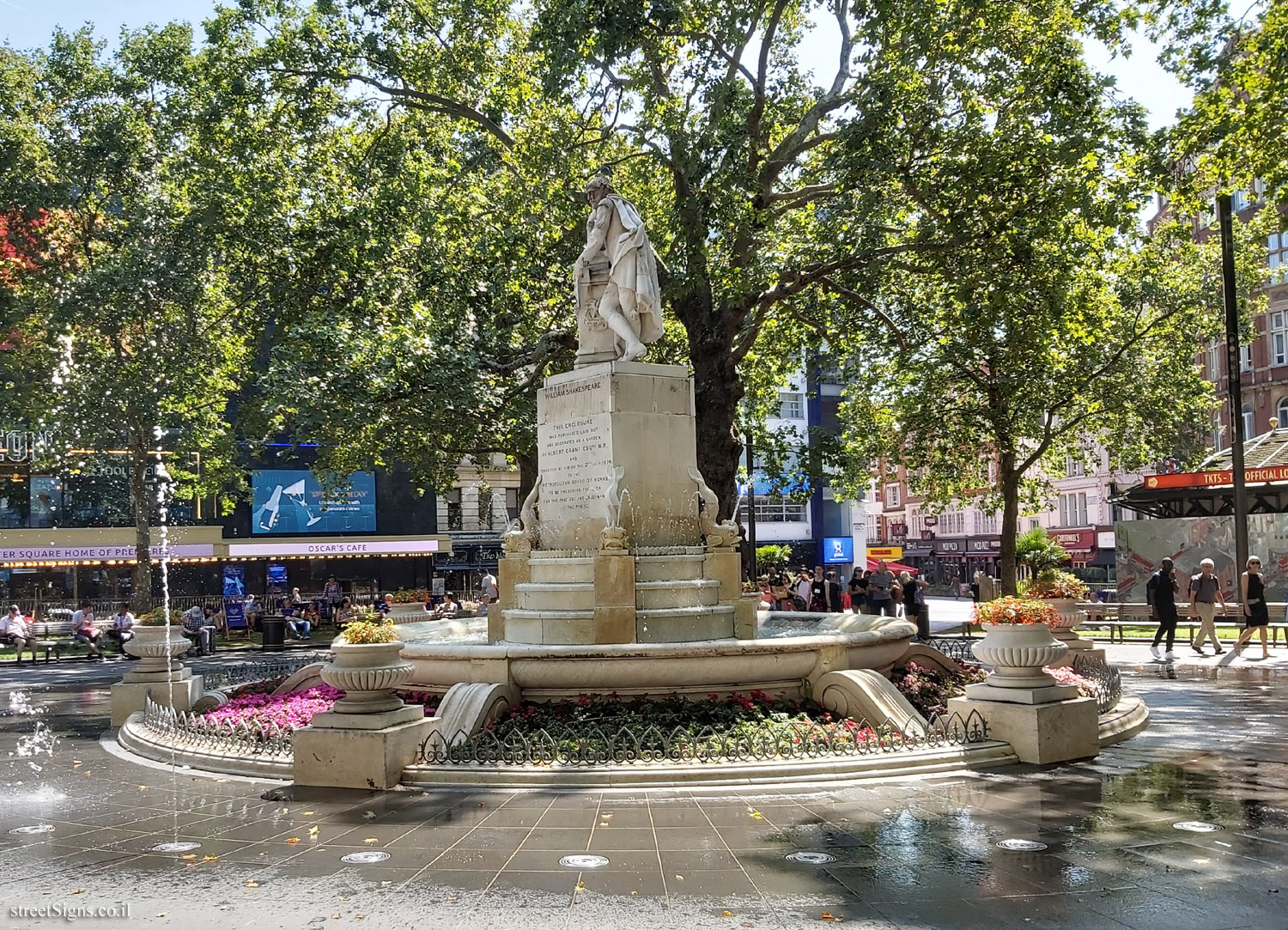 London - Leicester Square - Statue of William Shakespeare