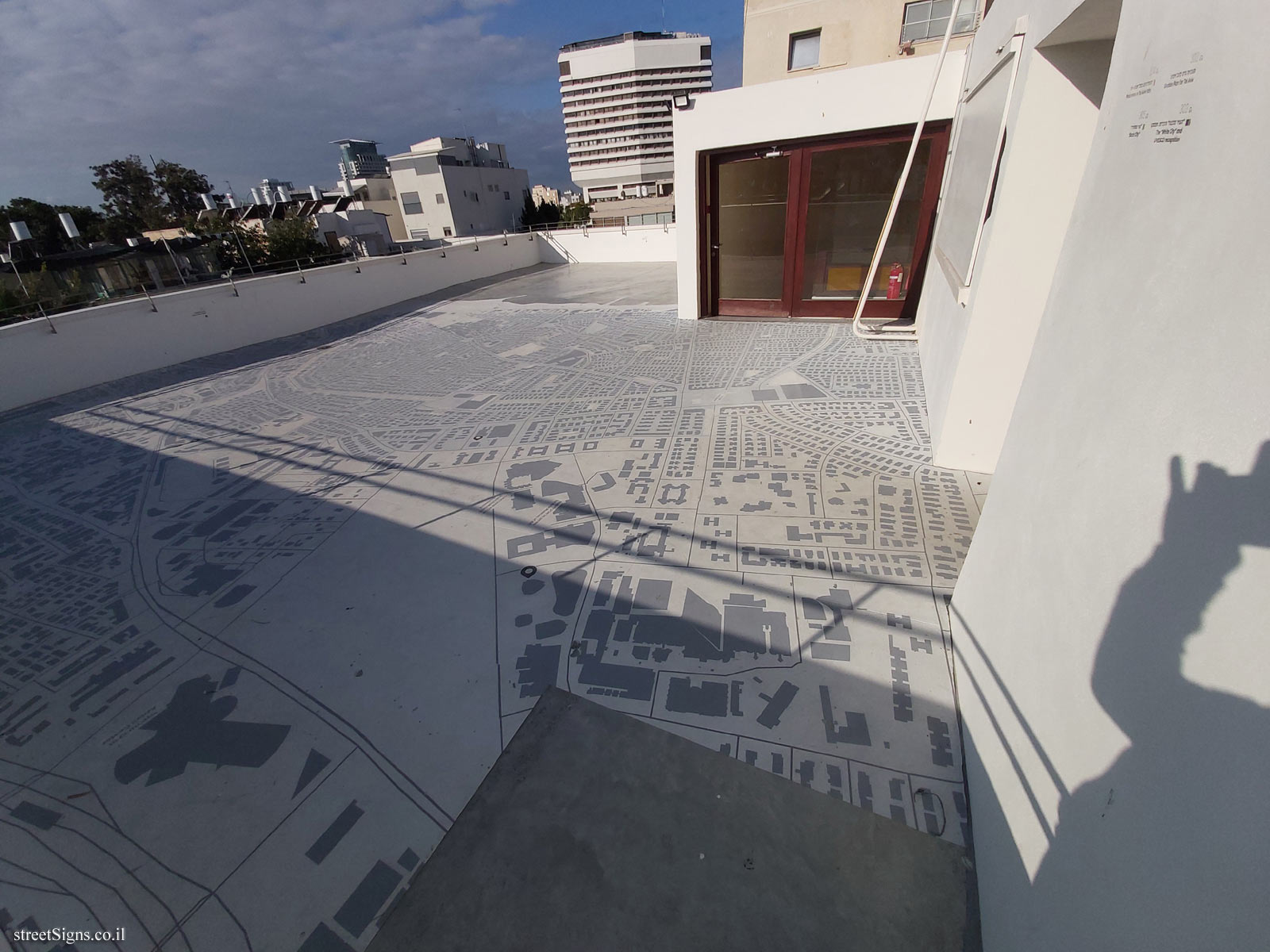 Tel Aviv - City Map - On the roof of the Liebling Haus
