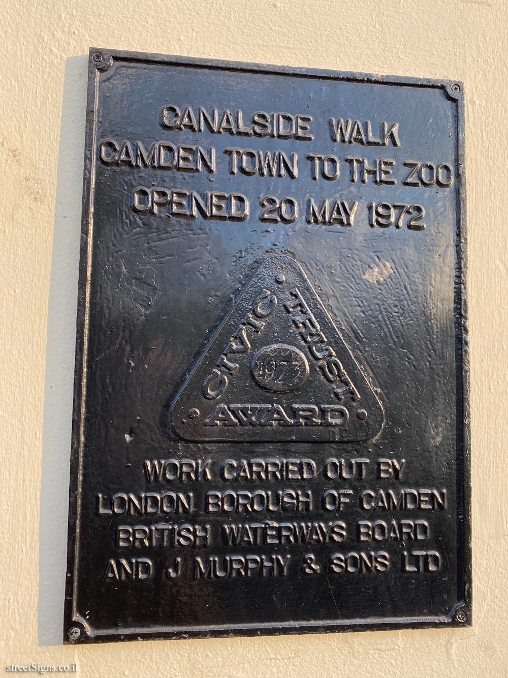 London - Camden - Walking route along the canal