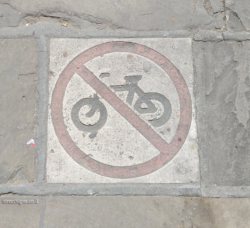 Richmond (London) - Cycling is prohibited